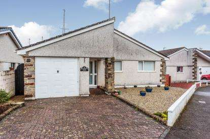 3 Bedrooms Bungalow for sale in Torpoint, Cornwall