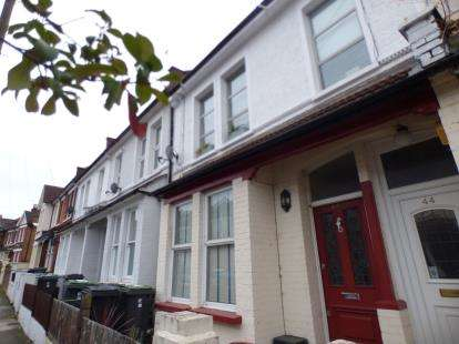 2 Bedrooms Maisonette Flat for sale in St. John's Road, Seven Sisters, Haringey, London