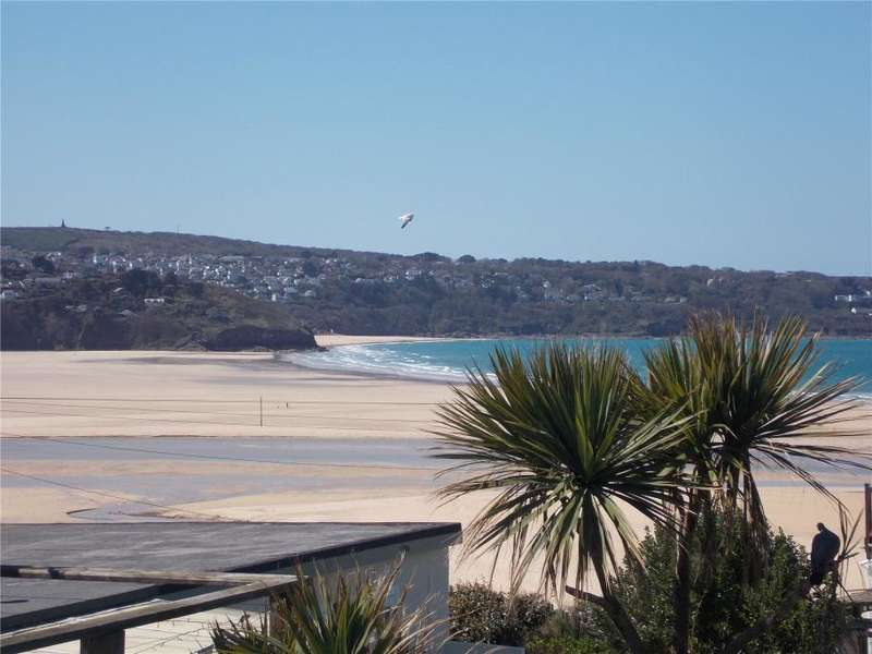 3 Bedrooms End Of Terrace House for sale in Riviere Towans, Phillack, Hayle