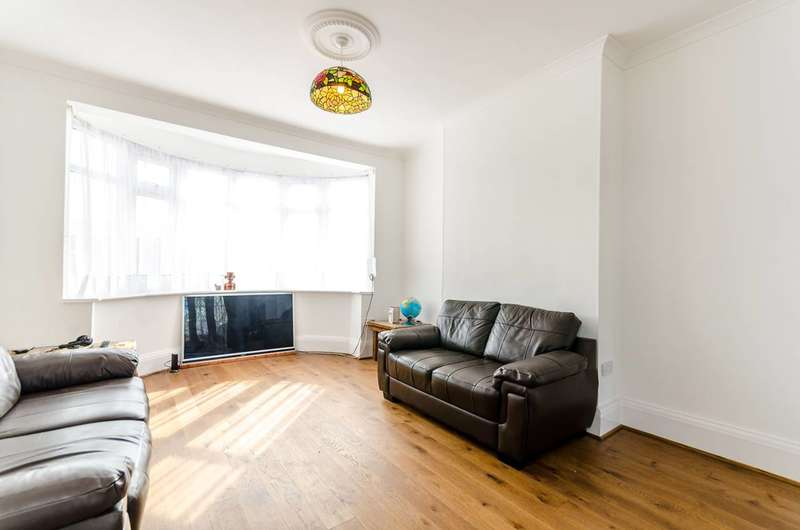 4 Bedrooms Semi Detached House for sale in Hook Rise North, Surbiton, KT6