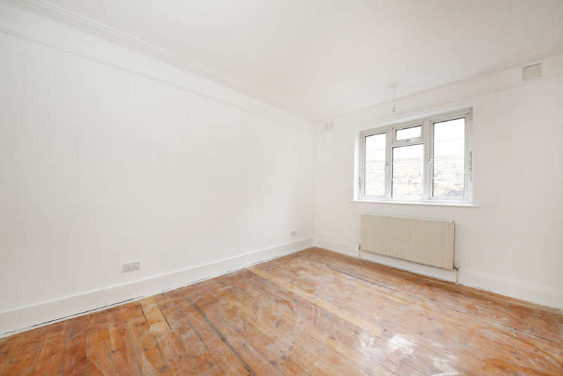 2 Bedrooms Flat for sale in Loampit Hill, London, SE13