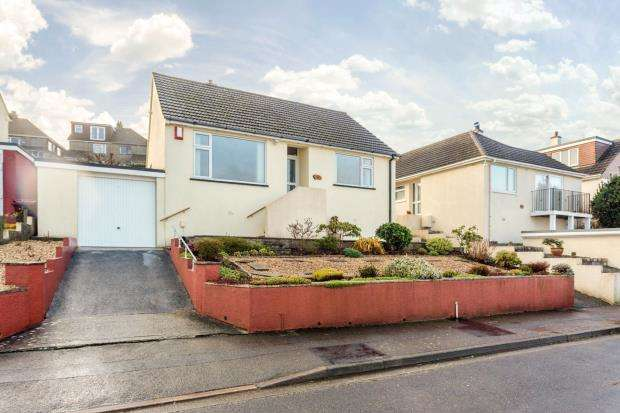 2 Bedrooms Detached Bungalow for sale in Hillside Road, Saltash, Cornwall