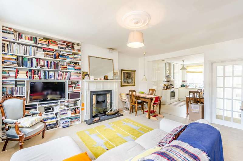 2 Bedrooms Maisonette Flat for sale in Calthorpe Street, Bloomsbury, WC1X