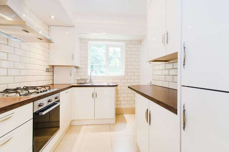 2 Bedrooms Flat for rent in Sudbury Hill, Harrow on the Hill, HA1
