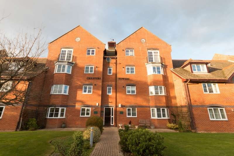 2 Bedrooms Flat for sale in Hastings Road, Bexhill-on-Sea, East Sussex, TN40