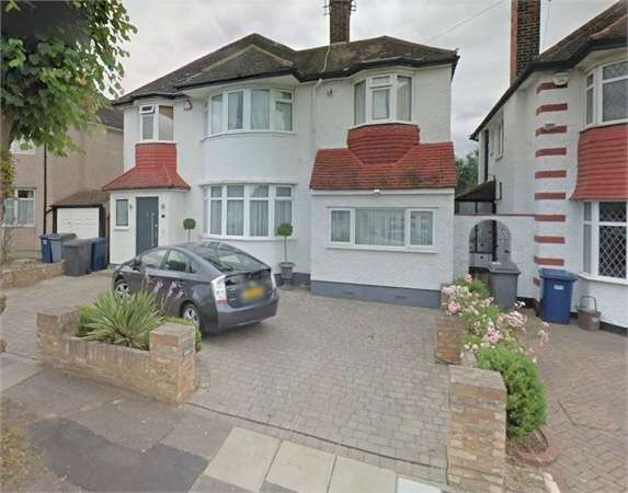 5 Bedrooms Detached House for rent in Sunbury Avenue, Mill Hill