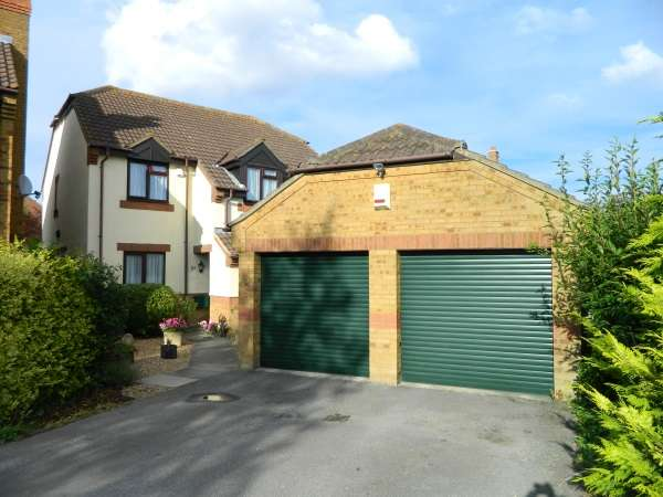 4 Bedrooms Detached House for sale in Fields Road, Wootton, Beds, MK43 9JH