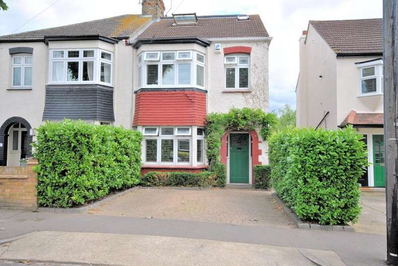 4 Bedrooms Semi Detached House for sale in Southsea Avenue, Leigh-on-Sea