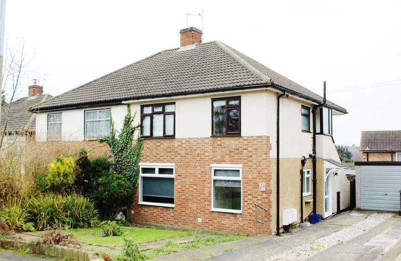 2 Bedrooms Maisonette Flat for sale in Barncroft Road, Loughton