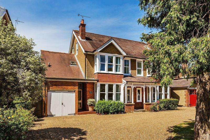 4 Bedrooms Unique Property for sale in ASHTEAD