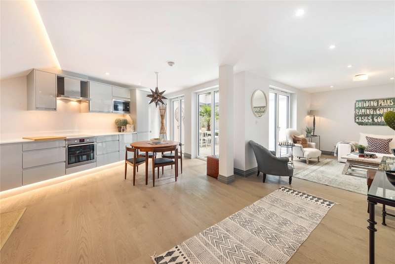 3 Bedrooms Detached House for sale in Winders Road, Battersea, London, SW11