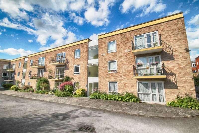 2 Bedrooms Flat for sale in Overton Park Road, Montpellier, Cheltenham, GL50