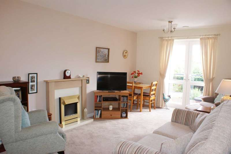 1 Bedroom Retirement Property for sale in Lawn Court, Longsight Lane, Harwood
