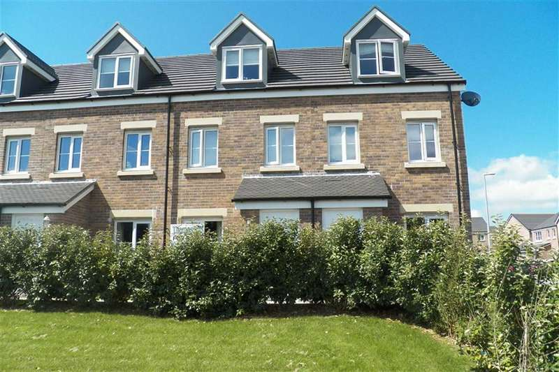 3 Bedrooms Town House for sale in Maes Pedr, Travellers Rest, Carmarthen