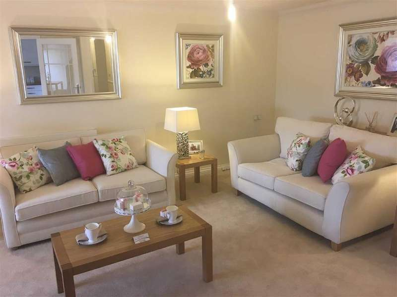 2 Bedrooms Flat for sale in High Street, Orpington, Kent