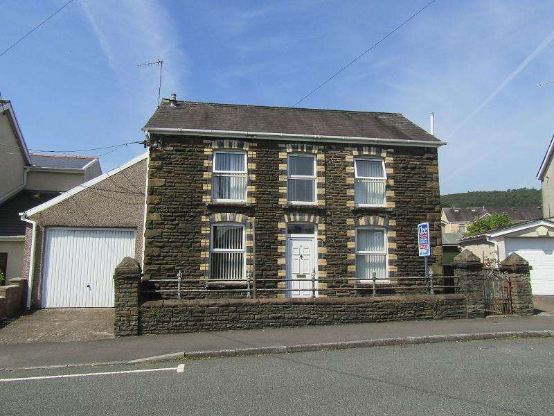 3 Bedrooms Detached House for sale in Penywern Road, Clydach, Swansea.