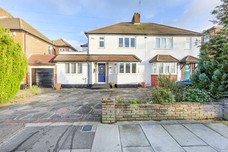 4 Bedrooms Semi Detached House for sale in Eastway, Hayes , Bromley, BR2