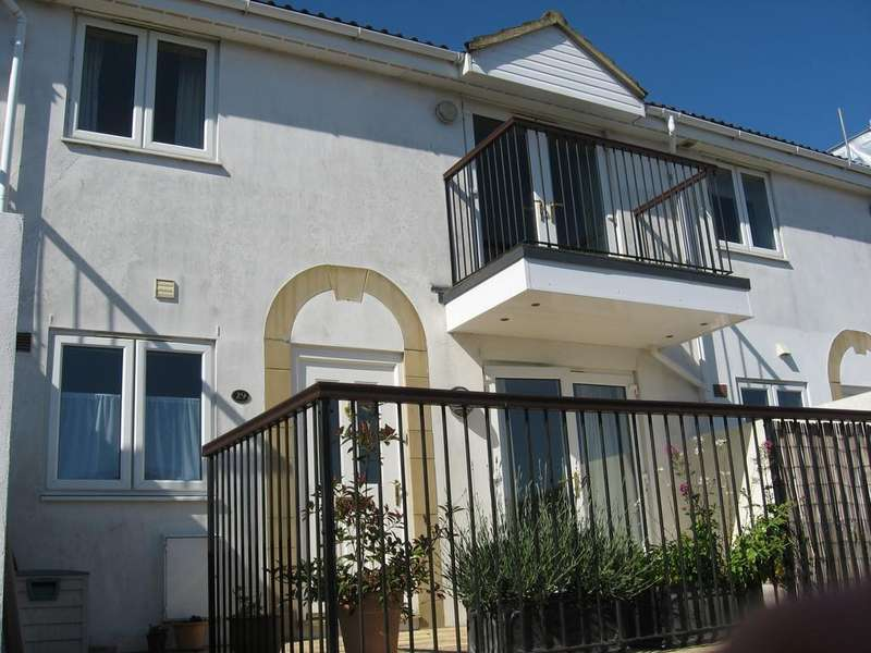 2 Bedrooms Apartment Flat for sale in The Vineyard, Yarmouth