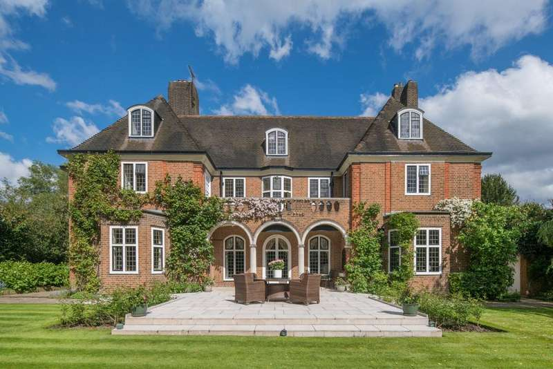 8 Bedrooms House for rent in Hampstead Garden Suburb, London, NW11