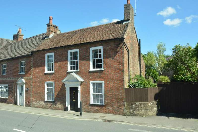 4 Bedrooms Terraced House for sale in WIMBORNE