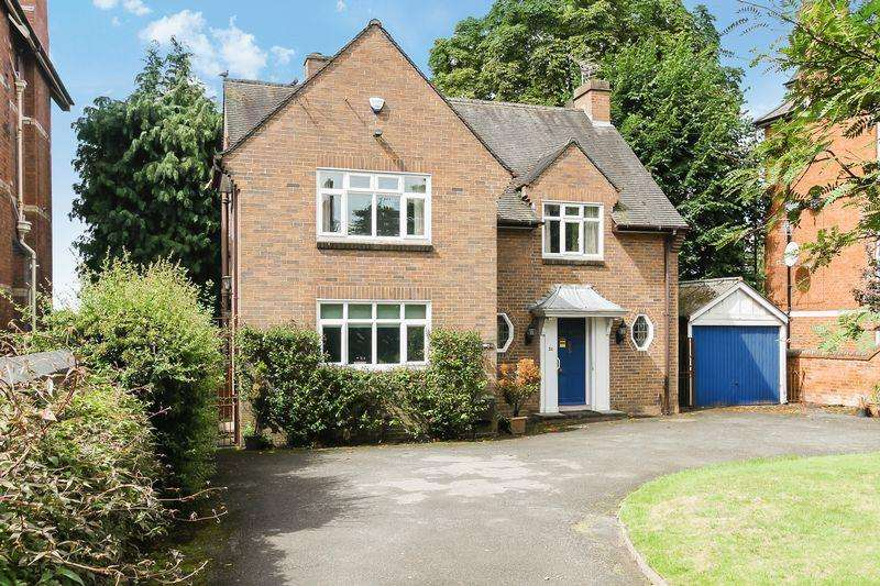 4 Bedrooms Detached House for sale in Bodenham Road