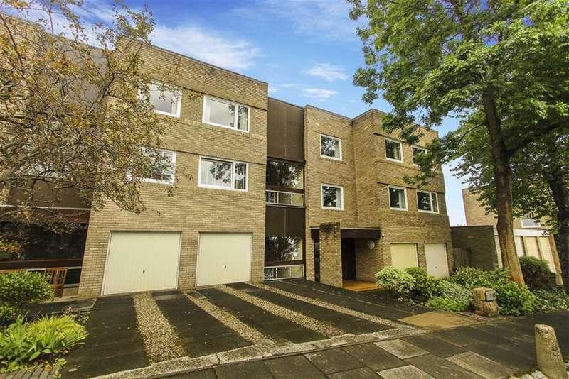 3 Bedrooms Flat for rent in Chandler Court, Jesmond, Newcastle Upon Tyne
