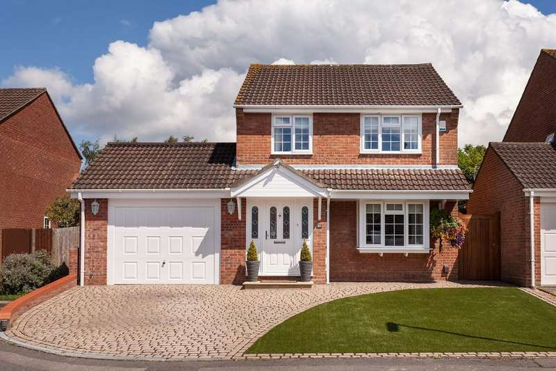 3 Bedrooms Detached House for sale in Abbeyfields Close, Netley Abbey, Southampton SO31