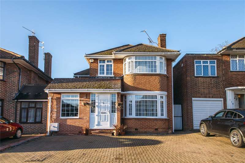 5 Bedrooms Detached House for sale in Wolmer Gardens, Edgware, Middlesex, HA8