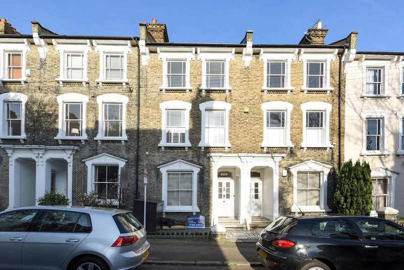 2 Bedrooms Flat for sale in Quentin Road, Lewisham