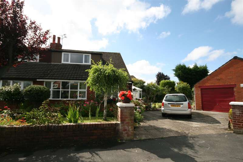 3 Bedrooms Semi Detached Bungalow for sale in Garden Avenue, Wrea Green, Preston