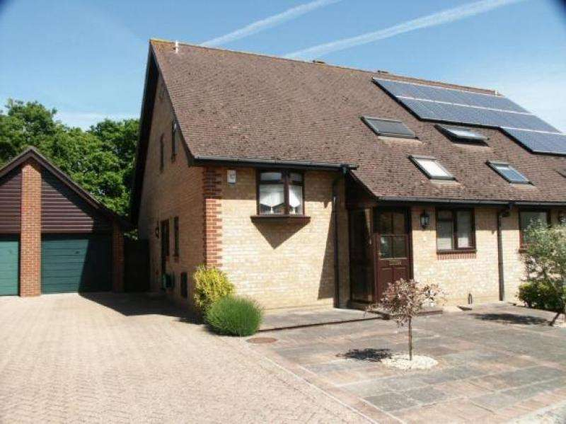 3 Bedrooms Chalet House for sale in Deceptively Spacious