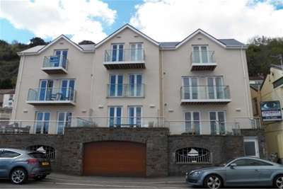 2 Bedrooms Property for rent in The Boat House. Mumbles