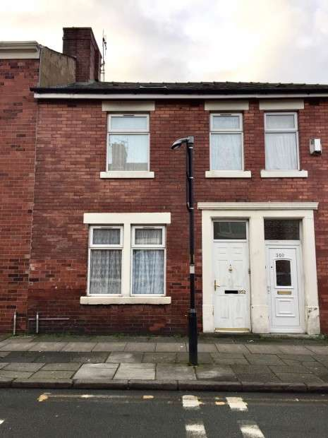3 Bedrooms Terraced House for sale in St. Georges Road, Preston, PR1