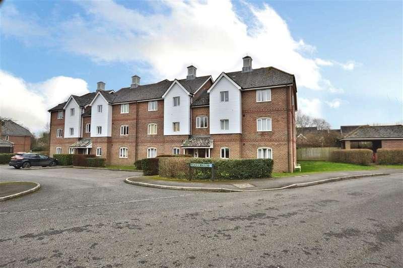 2 Bedrooms Flat for sale in Lockside court, Mallard Way, Aldermaston, Reading, RG7