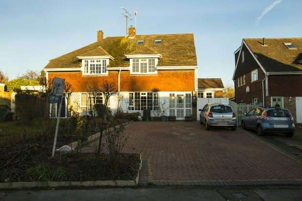 5 Bedrooms Semi Detached House for sale in Allendale Road, Earley, Reading