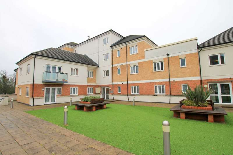 2 Bedrooms Apartment Flat for sale in Ley Farm Close, Watford