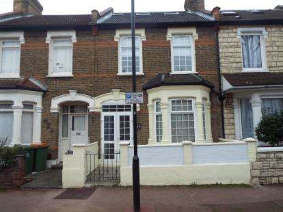 House for sale in East Ham, London