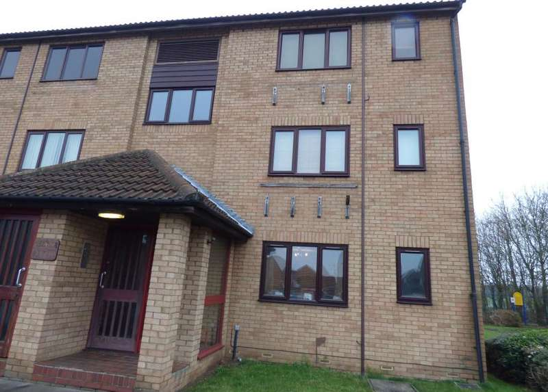 2 Bedrooms Flat for sale in Alburgh Close, Bedford, MK42 0HE