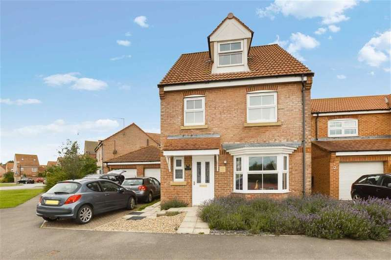 4 Bedrooms Detached House for sale in Ashcourt Drive, Hornsea, East Yorkshire