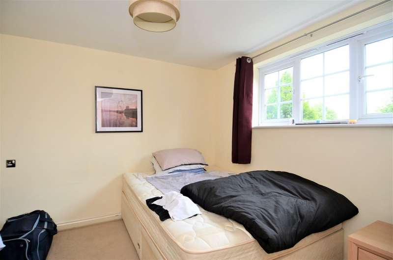 1 Bedroom Apartment Flat for sale in Coniston House, Spinner Croft, Chesterfield S40