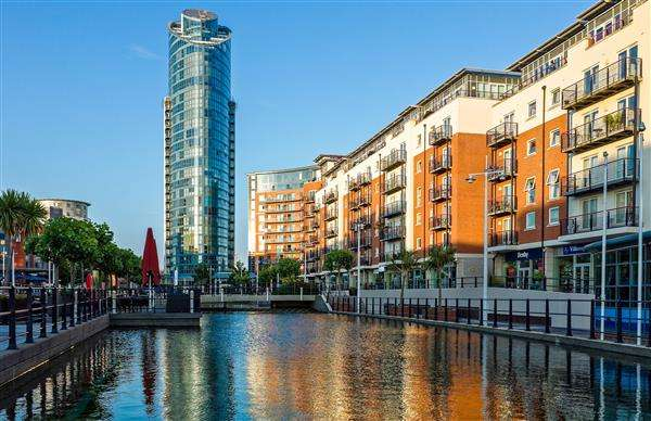 2 Bedrooms Apartment Flat for rent in Building, Gunwharf Quays, Portsmouth