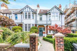 4 Bedrooms End Of Terrace House for sale in Wilbury Crescent, Hove, East Sussex, .