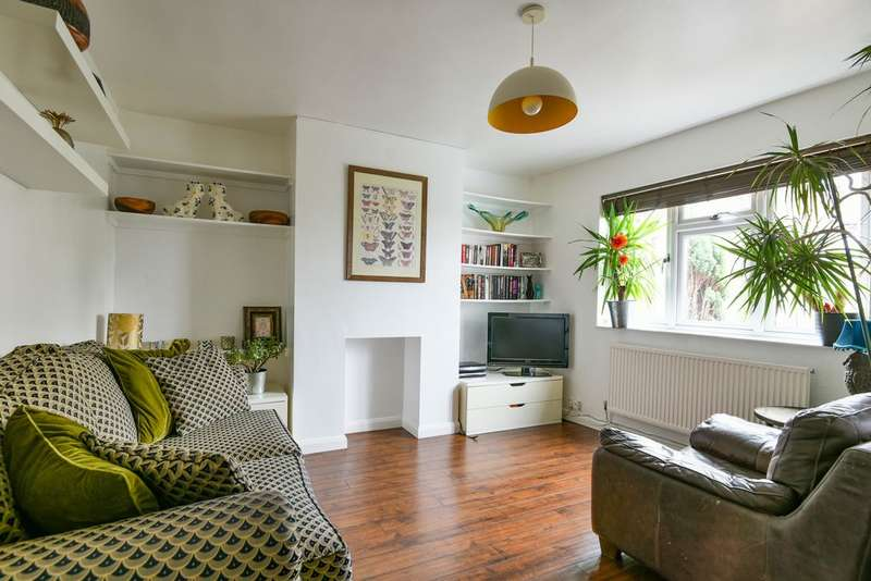 2 Bedrooms Flat for sale in Blythe Hill, Catford, SE6
