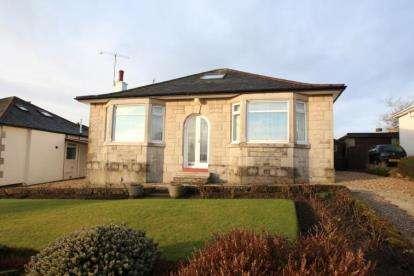 3 Bedrooms Bungalow for sale in Strathearn Road, Clarkston, East Renfrewshire