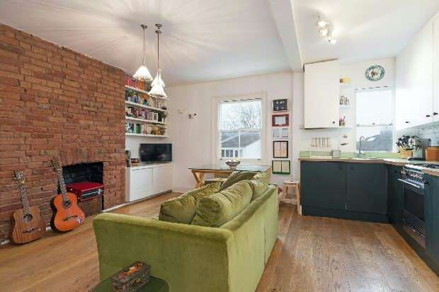 2 Bedrooms Flat for sale in Gayton Road, Hampstead Village, NW3