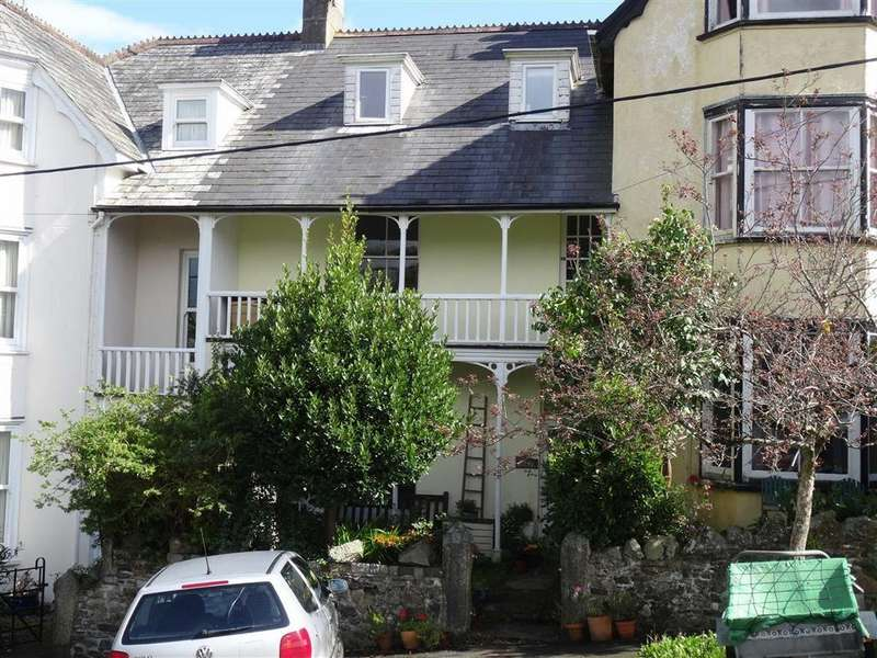 5 Bedrooms Semi Detached House for sale in Brandize Park, Okehampton, Devon, EX20