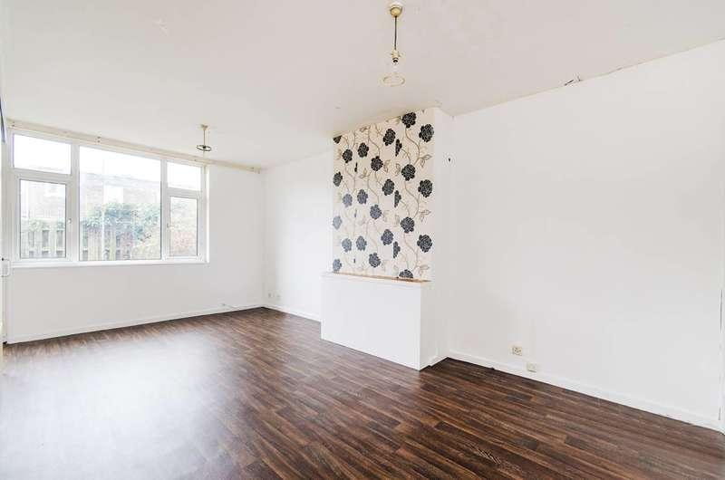 2 Bedrooms House for rent in Chipmunk Grove, Northolt, UB5