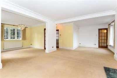 4 Bedrooms House for rent in Debden Green, Loughton