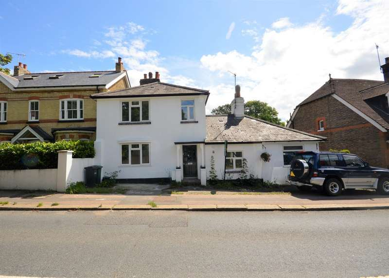 3 Bedrooms Semi Detached House for sale in Reigate Hill, Reigate, RH2 9PD