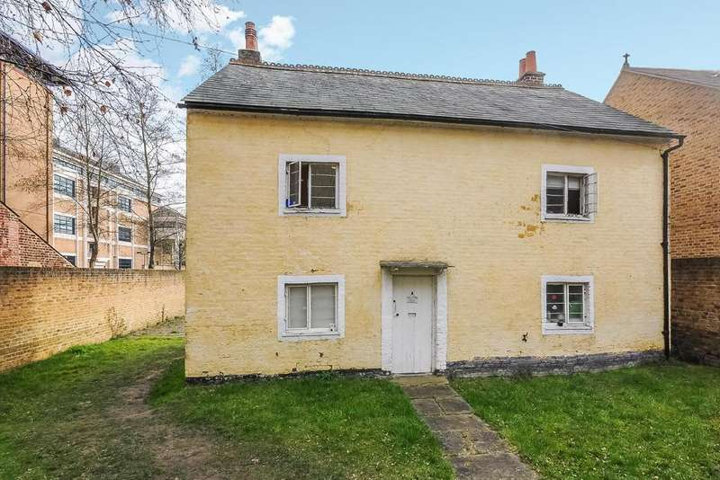 4 Bedrooms Semi Detached House for sale in Oaklea Passage, Kingston upon Thames